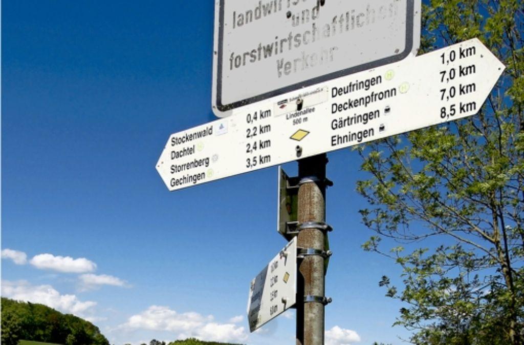 Auf dem Weg kann der Radler oft – aber nicht immer – Hinweisschildern folgen. Foto: factum/Weise