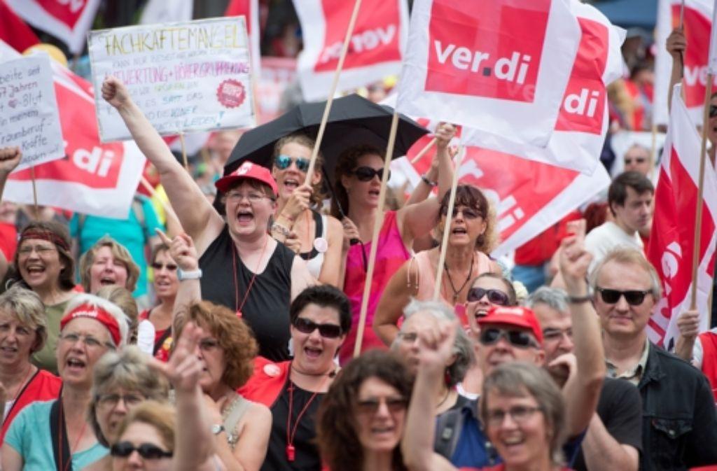 Die Gewerkschaft Verdi hat sich mit Streiks und Demonstrationen – wie hier im Juni in Nürnberg – für die Kita-Beschäftigten eingesetzt. Foto: dpa