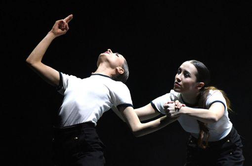 Beifall für acht neue Duette im Theaterhaus