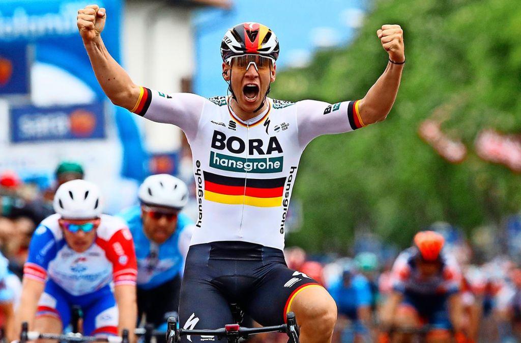Im Trikot des deutschen Meisters beim Giro d'Italia erfolgreich: Radprofi Pascal Ackermann. Foto: AFP