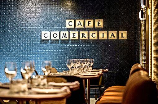 Ganz anders als Starbucks: Das Café Comercial in Madrid hat seine Türen wieder geöffnet. Foto: dpa