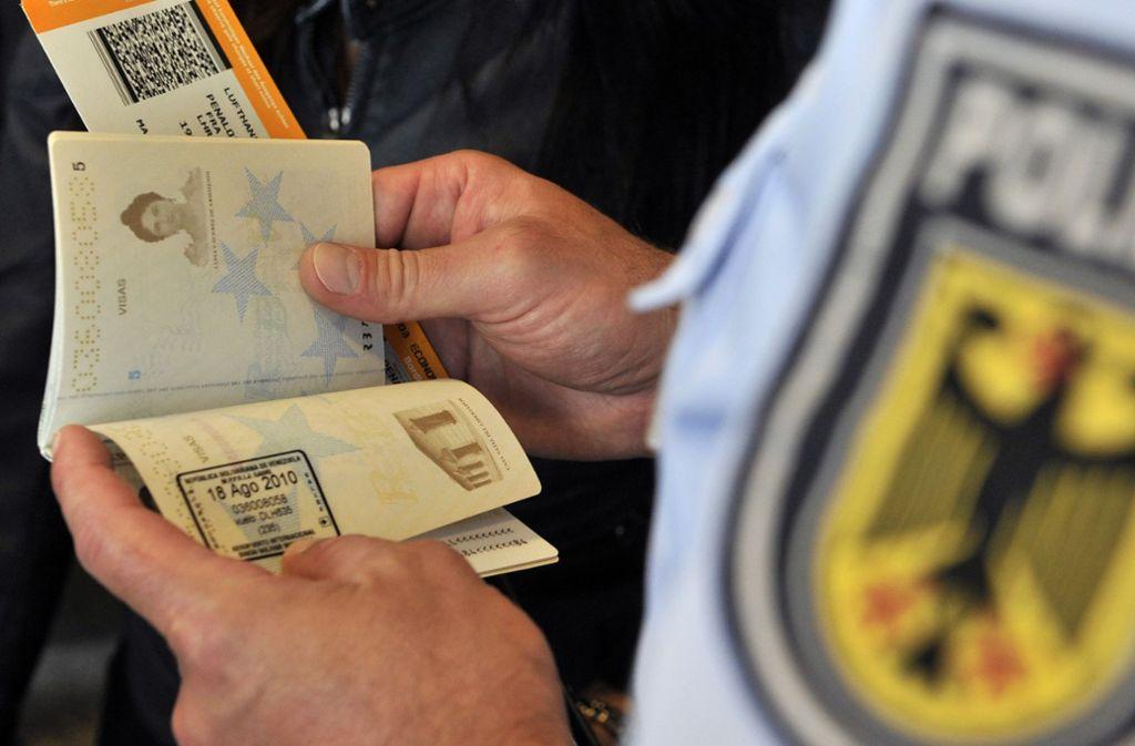 Die Bundespolizei hat in der Nähe von Stuttgart einen 49-Jährigen festgenommen. Foto: picture alliance / Marius Becker