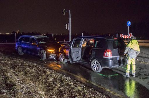 Fahranfänger verwechselt Fahrspuren und kracht in Gegenverkehr