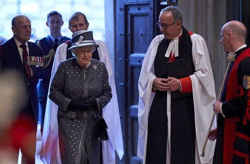 Königin Elizabeth ehrt die Gefallenen