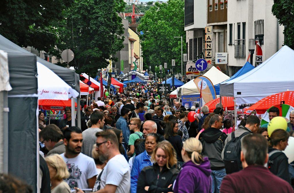 Der Höflesmarkt des Gewerbe- und Handelsvereins zieht jedes Jahr die Massen an. Tausende Besucher säumen die Stuttgarter Straße. Auch 2019 soll er stattfinden. Foto: Ströbele (Archiv)
