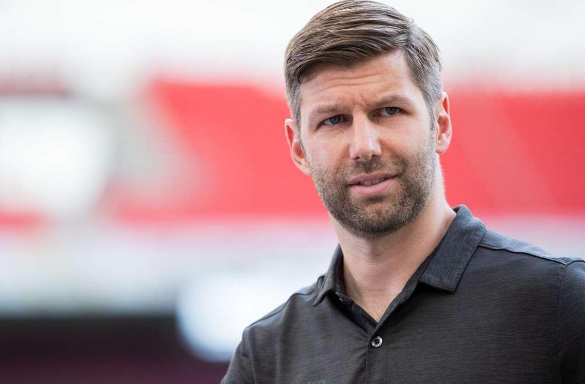 Thomas Hitzlsperger äußert sich in der Debatte zur Fan-Rückkehr in die Stadien. Foto: dpa/Tom Weller