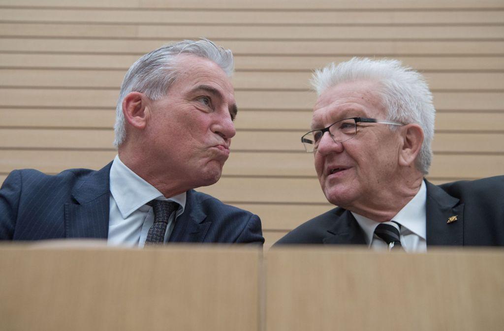 Seinem Stellvertreter Thomas Strobl (links) liest Ministerpräsident Winfried Kretschmann jeden Wunsch von den Lippen ab. Foto: dpa