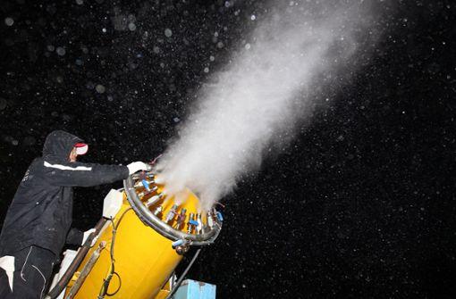 Autofahrer vernichtet Kunstschnee für Skisprung-Weltcup