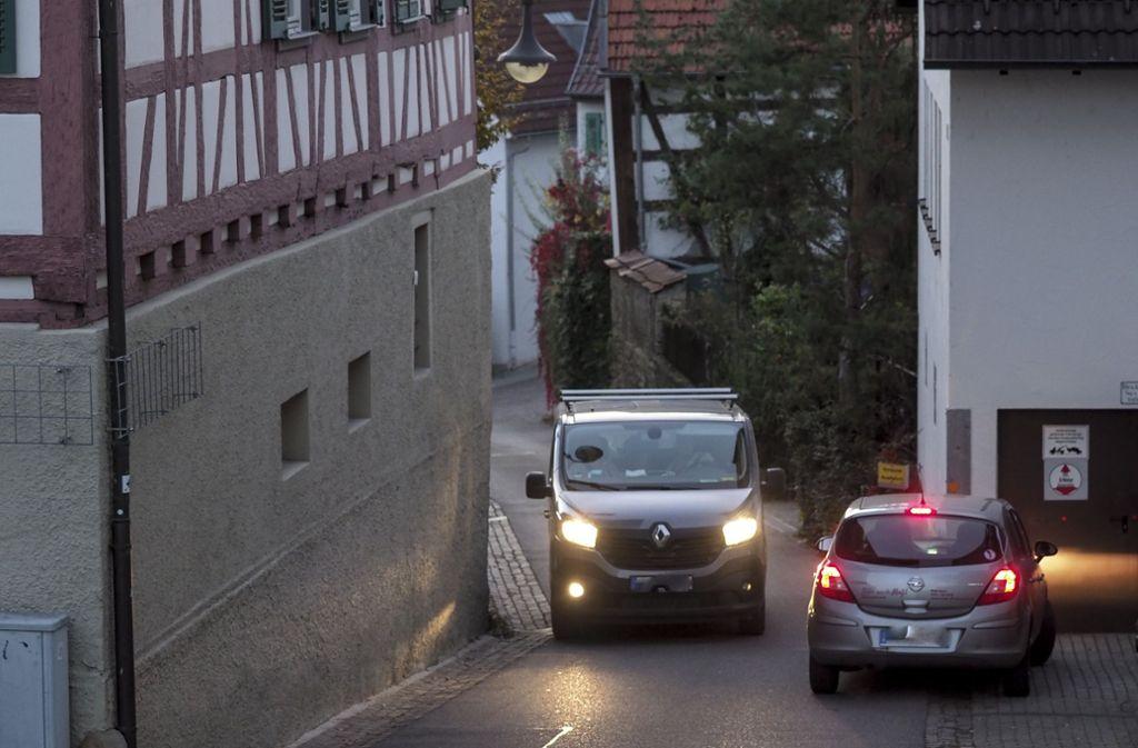 In den engen Gassen von Hirschstraße und Holdergasse kommt es laut Anwohnern häufiger zu Engpässen. Foto: factum/Weise
