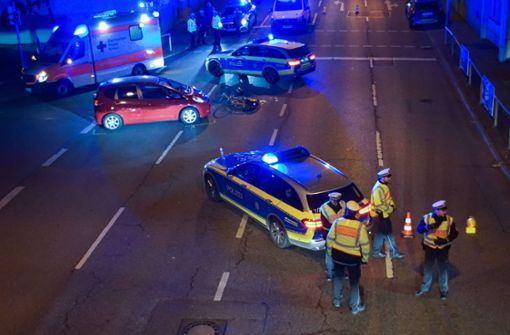 Fahrradfahrerin nach Zusammenstoß mit Auto schwer verletzt