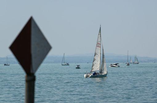 Motorboot sinkt auf Grund  - Besatzung rettet sich