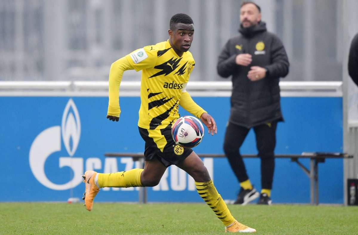 Youssoufa Moukoko steht mit genau 16 Jahren vor der Bundesliga-Premiere –  in unserer Bilderstrecke sehen Sie die Top Ten der jüngsten bisherigen Debütanten Foto: imago//Maik Hölter
