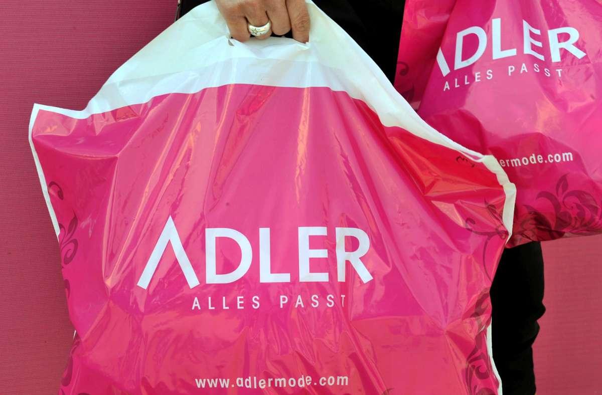 Die Adler Modemärkte AG betreibt nach eigenen Angaben derzeit 171 Märkte, davon 142 inDeutschland, sowie einen Onlineshop. Foto: dpa/Frank Leonhardt