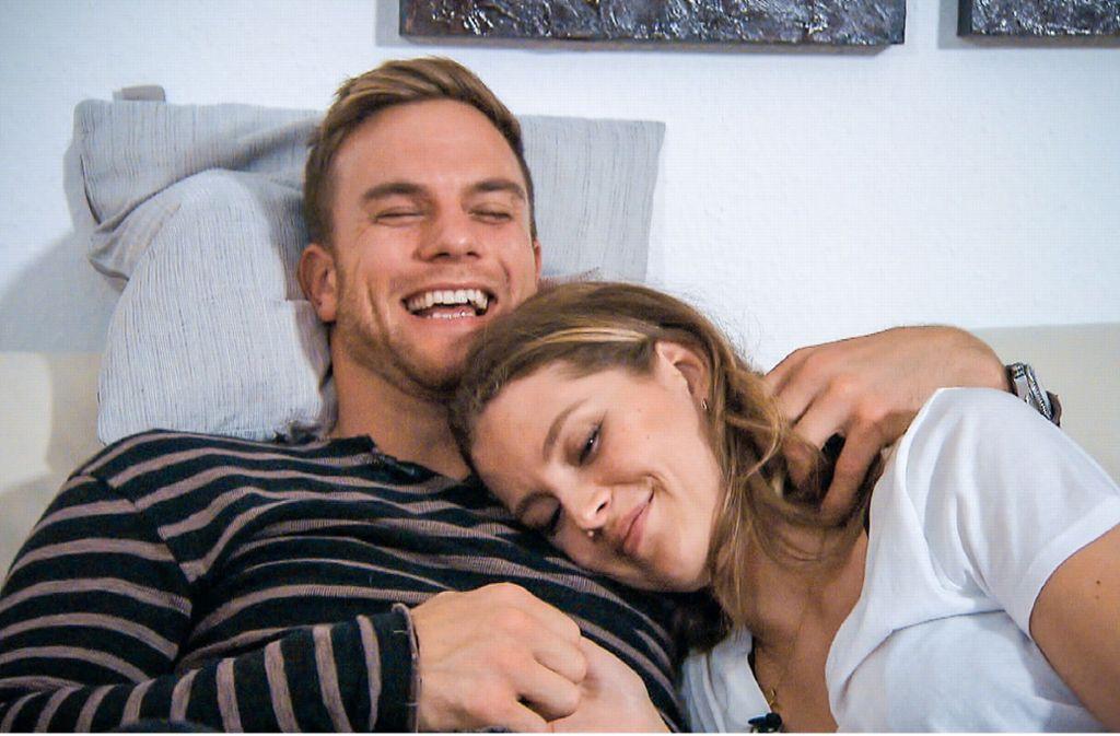 Bei Sebastian und Wioleta knistert es während des Homedates gewaltig. Foto: RTL/TVNOW