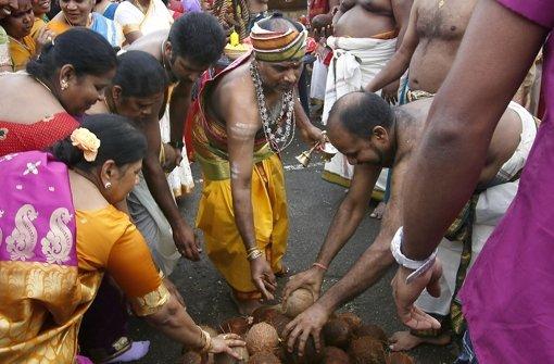 Hinter der harten Schal vermuten die Hinduisten einen weichen Kern. Foto: factum/Granville