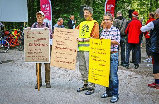 Proteste gegen den ersten millionenschweren Radschnellweg