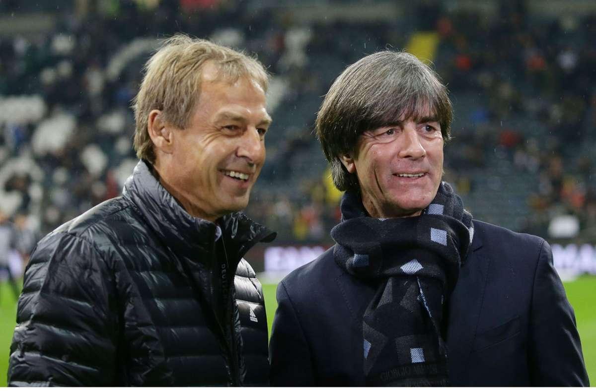 Haben deutsche Fußball-Geschichte geschrieben: Vorgänger Jürgen Klinsmann (l.) und der (noch) aktuelle Bundestrainer Joachim Löw (r.) im Jahr 2019. Foto: Baumann