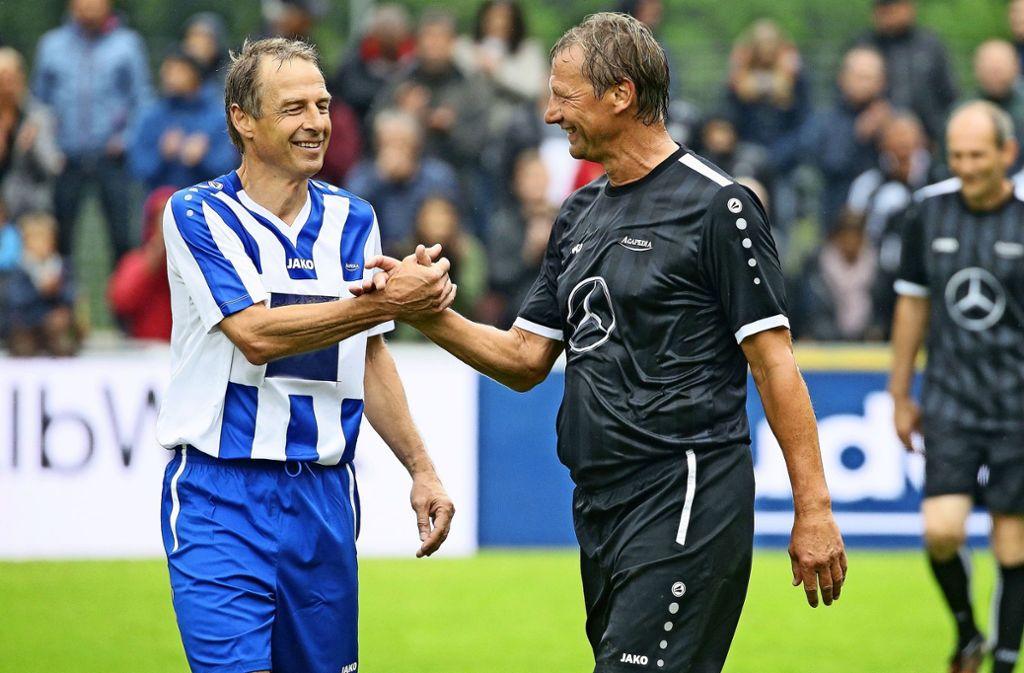 Alte Weggefährten unter sich: Jürgen Klinsmann (li.) und Guido Buchwald Foto: Baumann