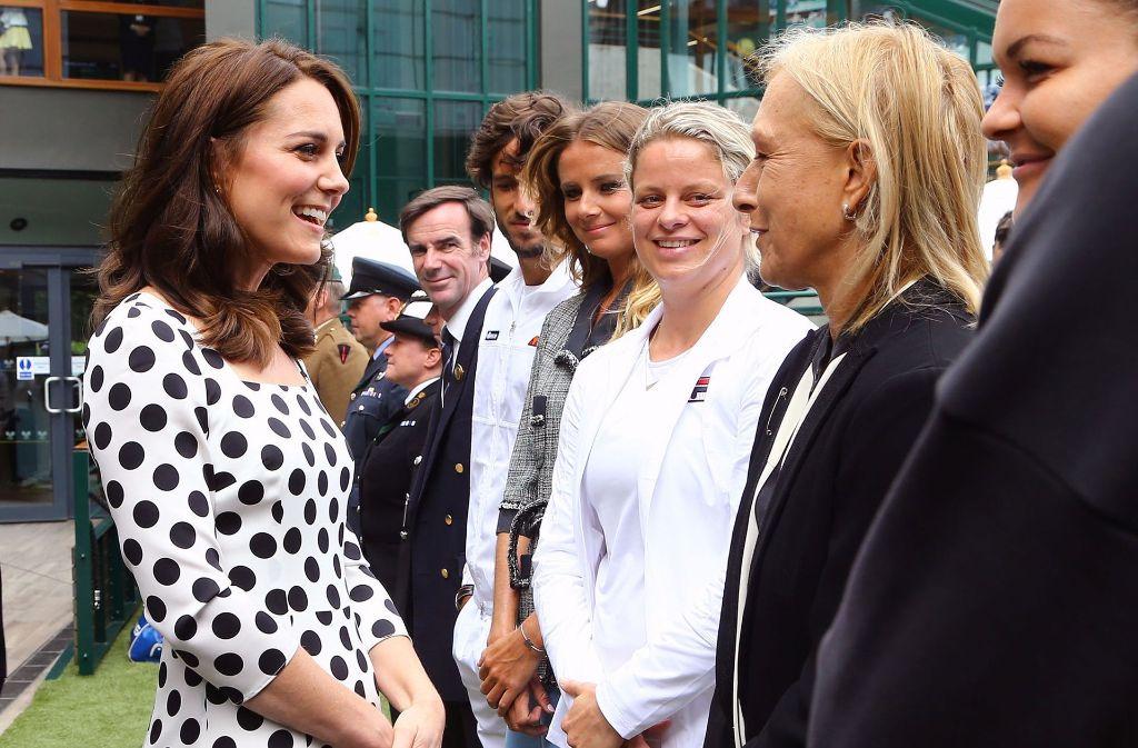 Herzogin Kate unterhielt sich vor dem Turnier mit der ehemaligen Weltklasse-Tennisspielerin Martina Navratilova. Foto: Getty Images Europe