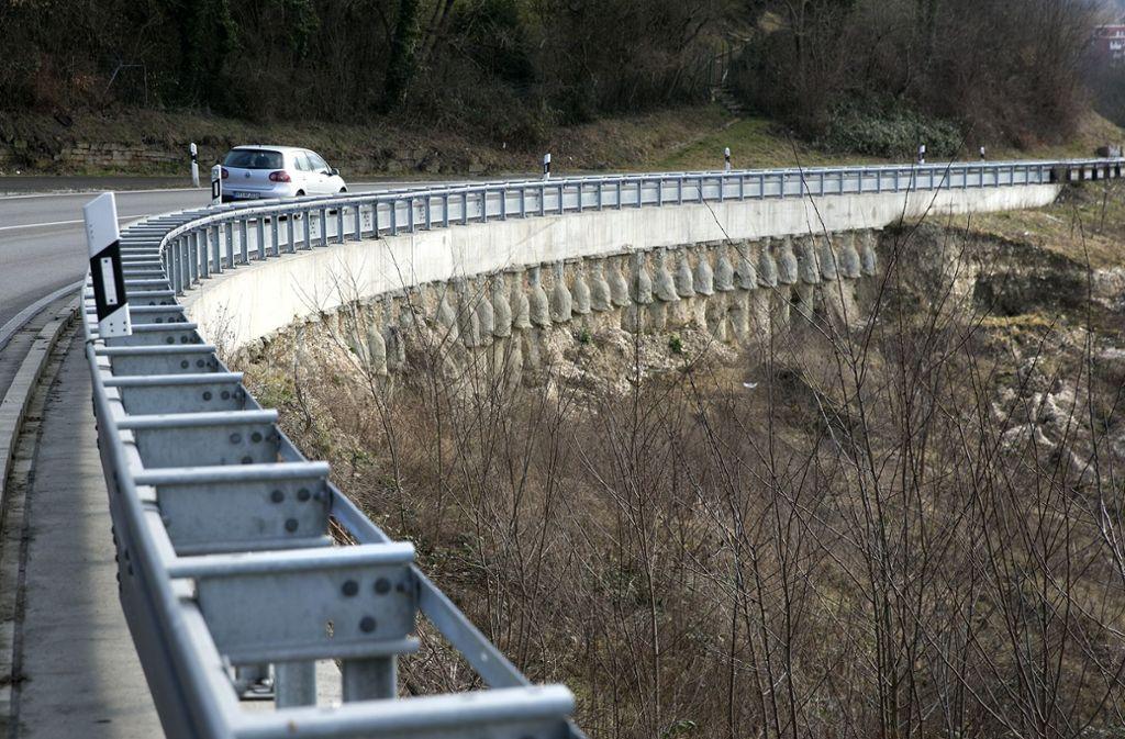 Seit zehn Jahren bereitet die Plochinger Steige Probleme. Foto: Horst Rudel/Archiv