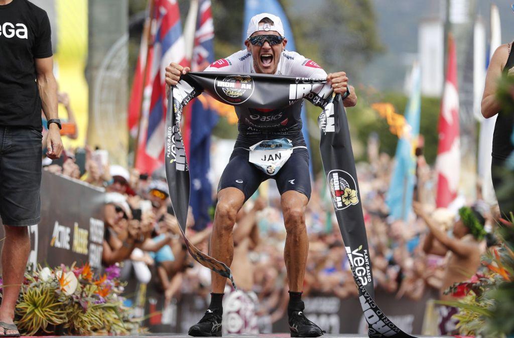 Jan Frodeno hat die Siegesserie der deutschen Triathleten beim Ironman auf Hawaii eindrucksvoll fortgesetzt. Foto: dpa/Marco Garcia