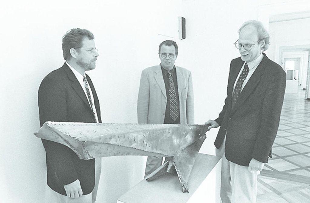 Galerie-Generationenaufgabe:  Kuno, Harry und Bert Schlichtenmaier (v. l.)  1997. Foto: factum/