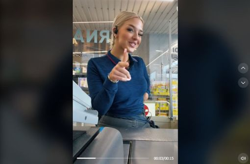 Aldi-Kassiererin verzückt das Internet