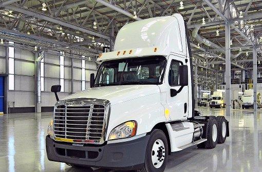 Daimler streicht mehr als 1200 Stellen in Übersee