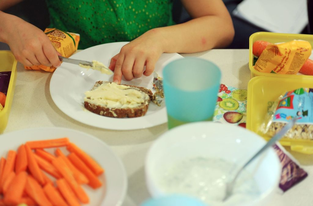 Zehn Prozent der Grundschüler verlassen einer Erhebung zufolge morgens ohne Frühstück das Haus. Foto: picture alliance / dpa