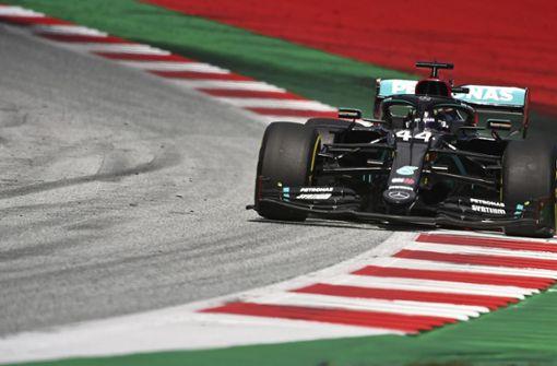 Lewis Hamilton holt bei Ferrari-Debakel ersten Saisonsieg