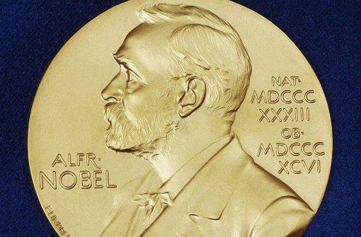 Deutsche Nobelhure beim Dreier zerfickt