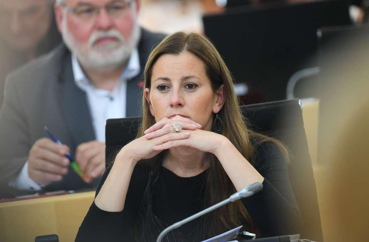 Auch die Linken-Politikerin Janine Wissler erhielt Drohmails. Foto: dpa/Arne Dedert