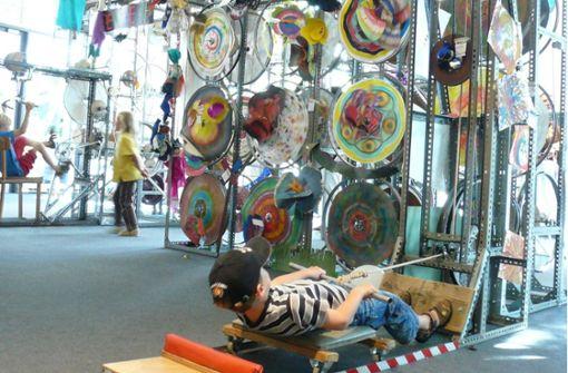 Museum baut eine    Mitmach-Maschine auf