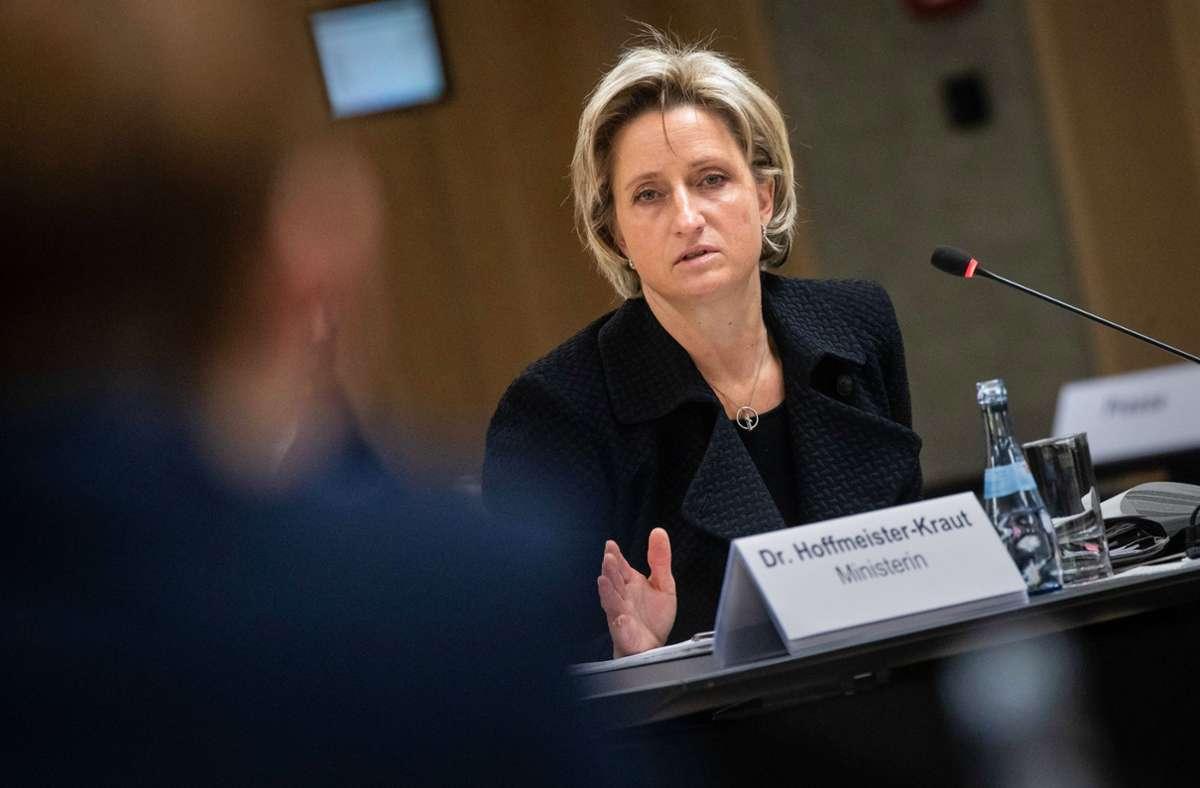 Wirtschaftsministerin Nicole Hoffmeister-Kraut (Archivbild) Foto: dpa/Christoph Schmidt