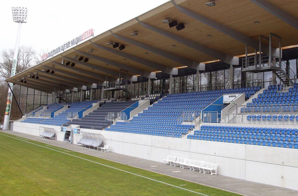 Ein Albtraum für die Kickers – leere Ränge im Gazi-Stadion. Foto: Pressefoto Baumann