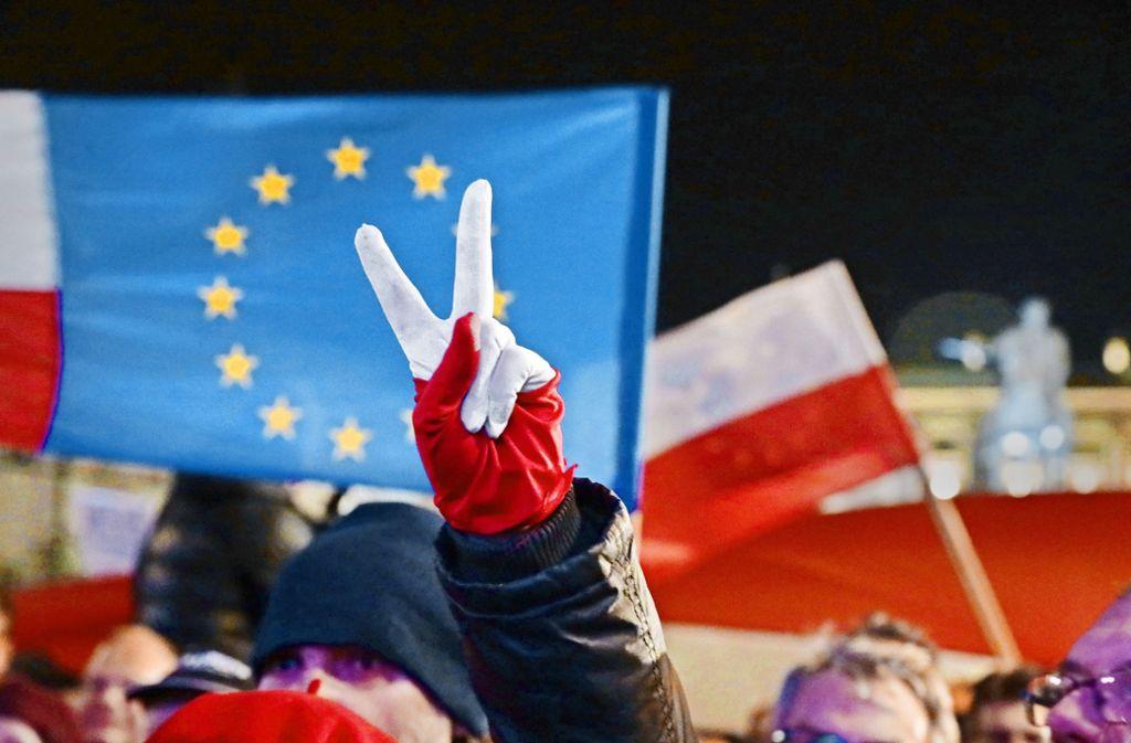 Der Kampf gegen die umstrittenen Reformen wird auch in Polen selbst mit großer Härte geführt. Foto: dpa