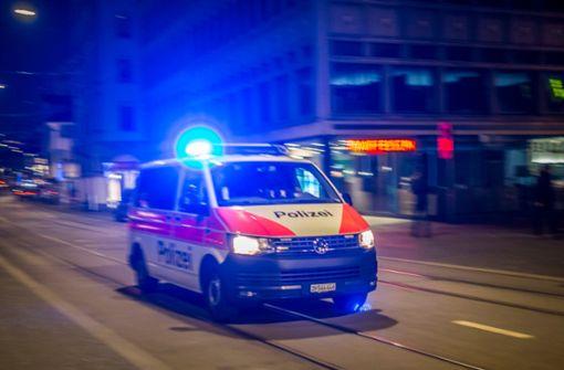 Ruderboot auf Rhein kollidiert mit Frachtschiff –  ein Toter