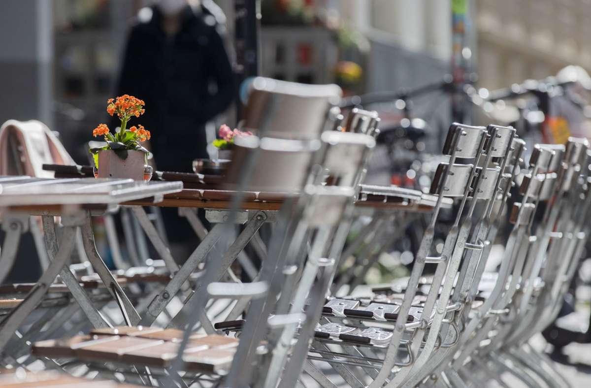 Gastronomen haben aufgrund der neuen Corona-Plänen große Sorge. Foto: dpa/Rolf Vennenbernd