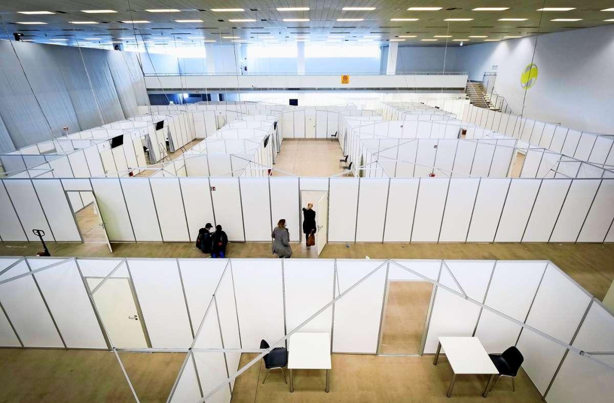 Etwa 1200 Quadratmeter Fläche beansprucht das Kreisimpfzentrum in der Sindelfinger Messehalle. Foto: Simon Granville