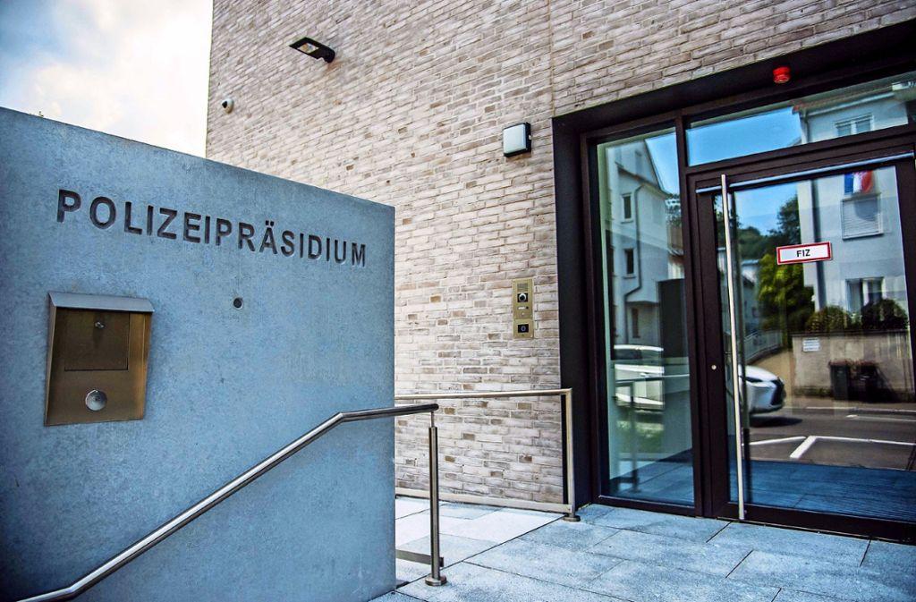 Auch im Polizeipräsidium Reutlingen wird der Publikumsverkehr zurzeit auf ein Mindestmaß begrenzt. Foto: SDMG//Kohls/Archiv