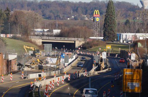 Brückenneubau: Eine Spur wird gesperrt