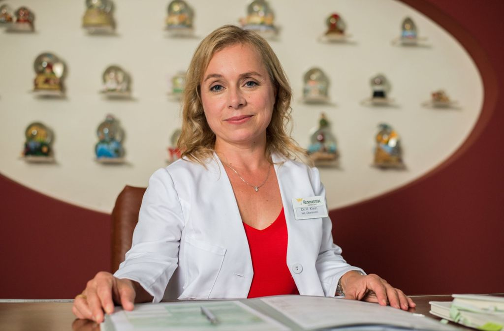 """Christine Urspruch als Kinderärztin  in der Serie """"Dr. Klein"""", die im ZDF abgesetzt wird. Foto: dpa"""