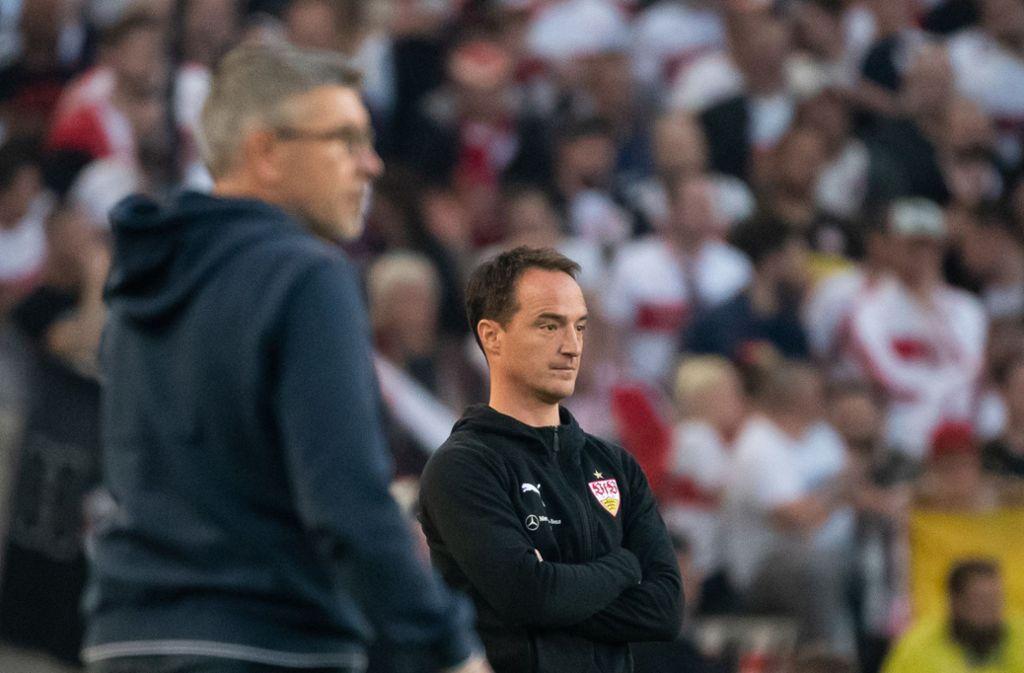 Die Trainer der Relegationsgegner: Urs Fischer (links) und Nico Willig. Foto: dpa