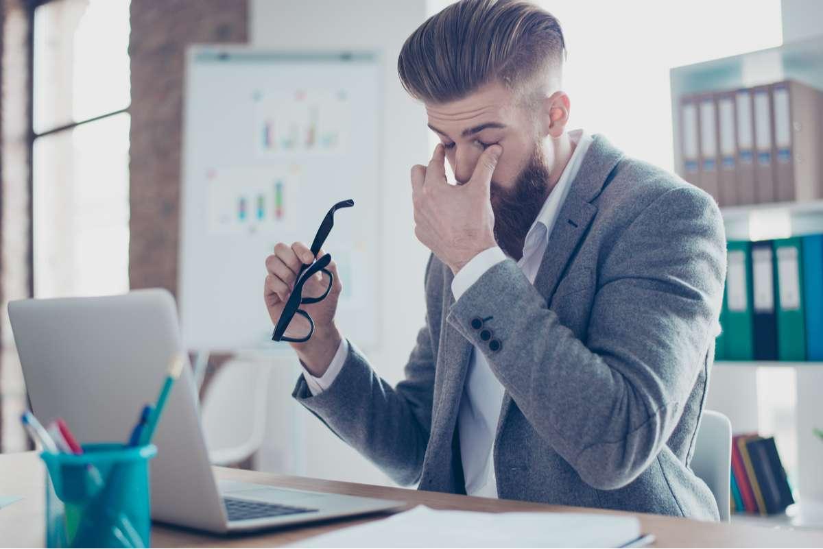 10 Tipps, wie Sie Ihre Augen am PC schonen. Foto: Roman Samborskyi/Shutterstock