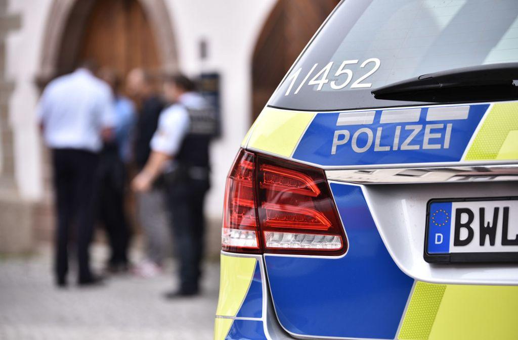 Die Polizei ermittelt nach einem gefährlichen Eingriff in den Straßenverkehr (Symbolbild). Foto: Weingand/StZN