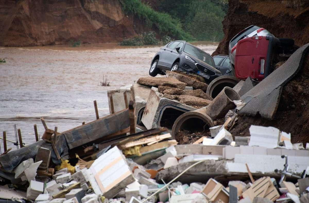 Nach dem Hochwasser gab es Gerüchte über einen unterirdischen Fluss in Blessem. Foto: AFP/SEBASTIEN BOZON