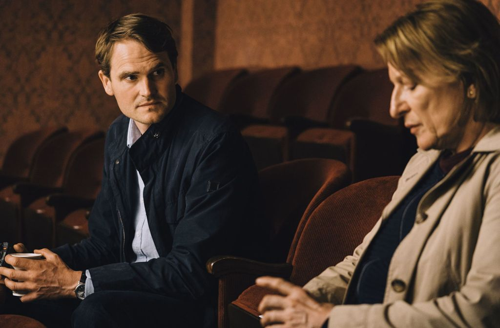Voss (Fabian Hinrichs) und Ringelhahn (Dagmar Manzel) begreifen den Plan des Täters noch nicht. Foto: BR;Claussen+PutzGmbH