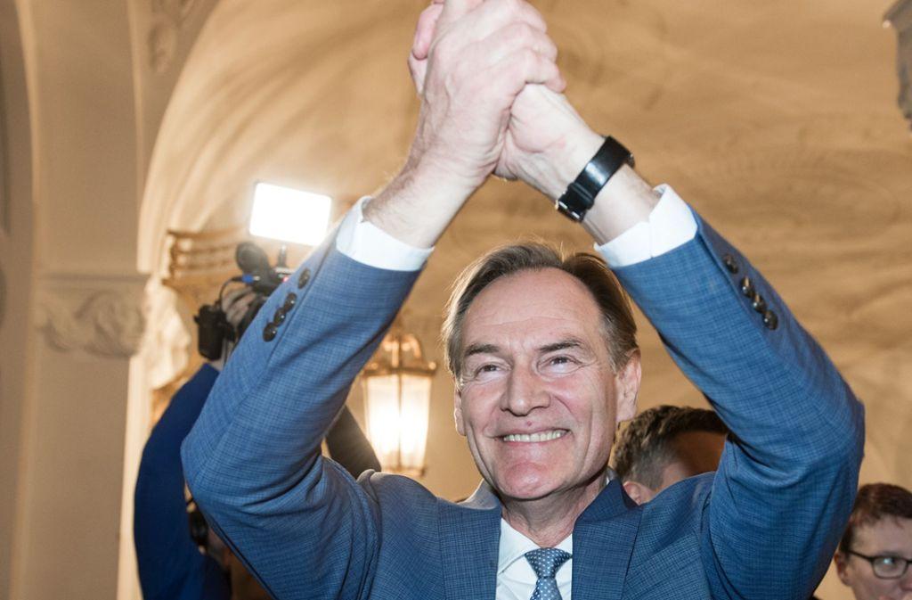 Burkhard Jung bleibt Rathauschef in Leipzig. Foto: dpa/Hendrik Schmidt