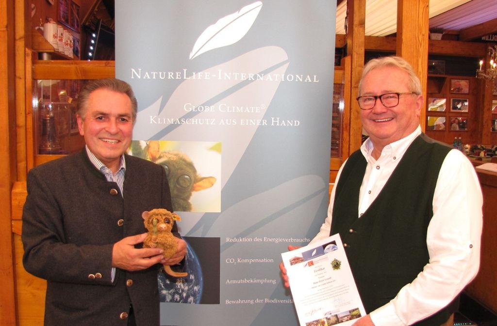 Naturschützer unter sich: Claus-Peter Hutter und Hans-Peter Grandl (rechts). Foto:
