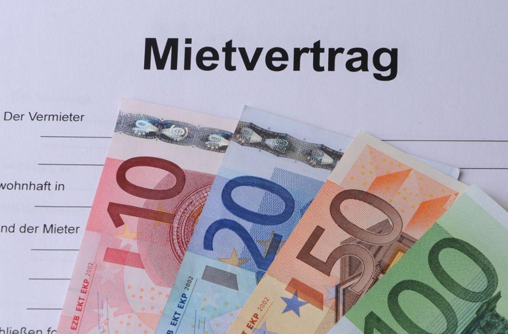 Wegen hoher Mieten kommen viele Haushalte in Zahlungsschwierigkeiten. (Symbolfoto) Foto: dpa